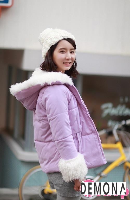 Kiểu áo khoác phao nữ có mũ Hàn Quốc đẹp đông 2021 - 2022 năng động ngày lạnh phần 4