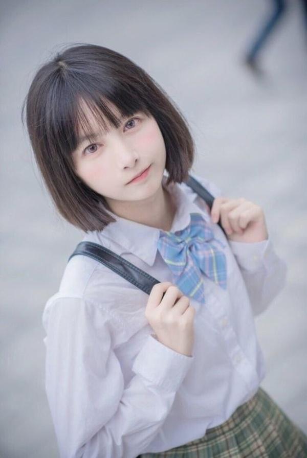 Kiểu tóc mái thưa Hàn Quốc đẹp nhất chưa bao giờ hết hot năm 2021