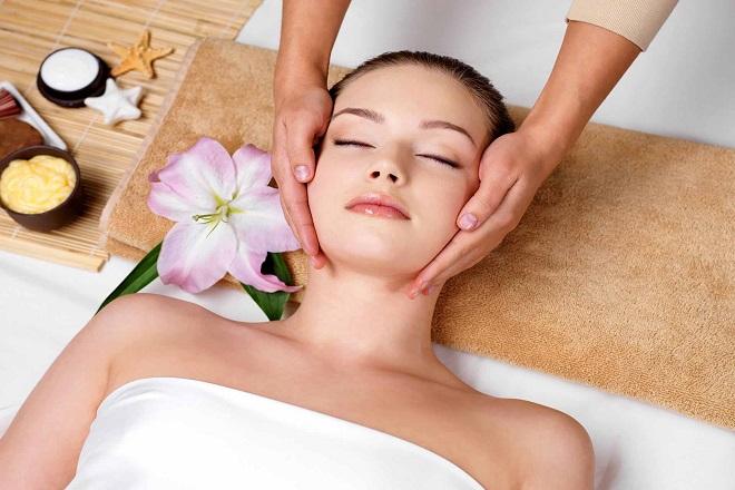 làm đẹp sau sinh con bằng cách massage