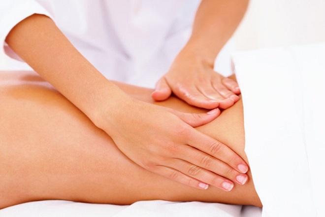 Động tác massage vùng thắt lưng