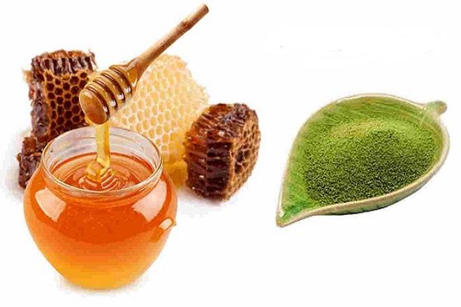 mật ong và trà xanh để tẩy tế bào chết