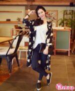 Mẫu áo khoác nữ họa tiết đẹp kiểu Hàn Quốc cá tính thu đông 2021 – 2022
