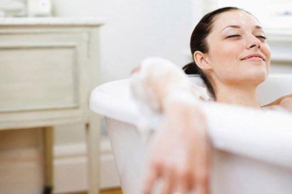 Nguyên tắc tắm gội an toàn cho phụ nữ đang mang thai