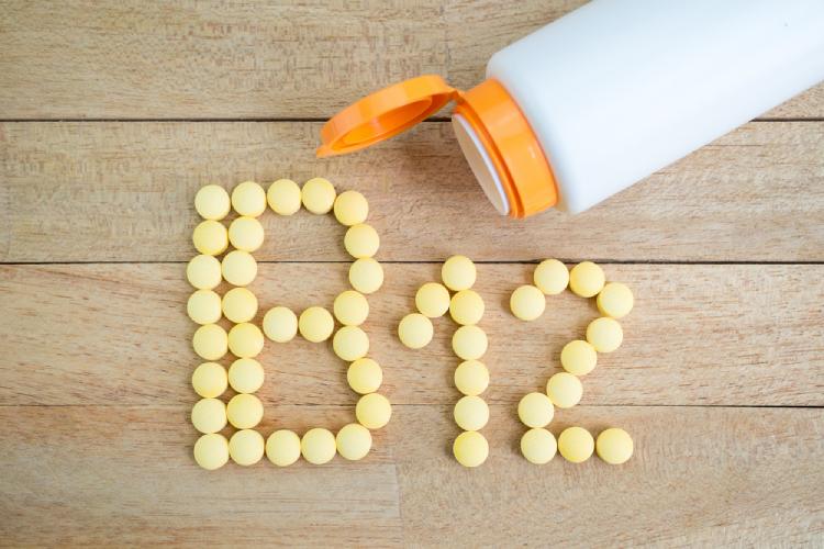 Tác dụng của vitamin B12 có ảnh hưởng đến thai nhi và khả năng sinh sản không?