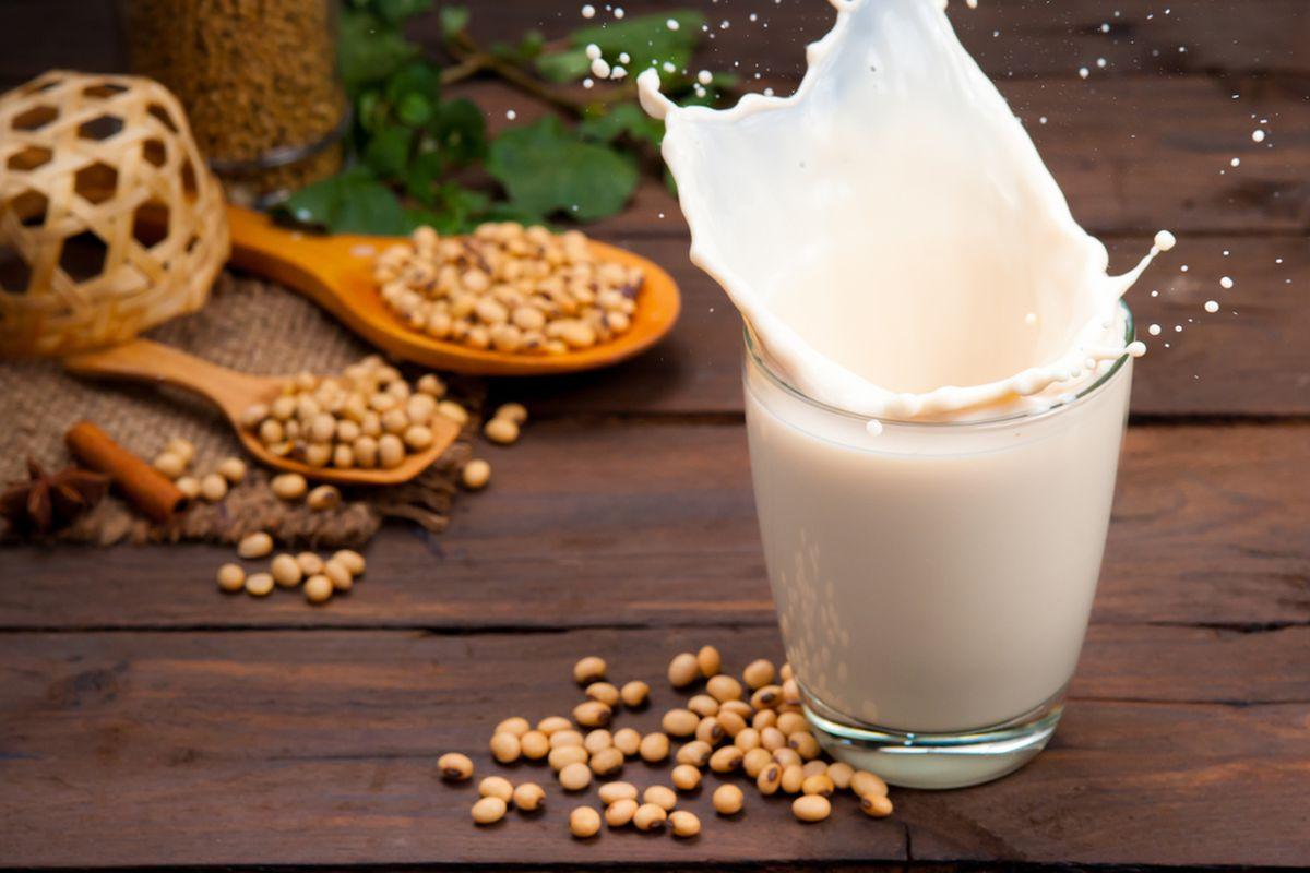 Những lợi ích và cách sử dụng đúng cách của sữa đậu nành với phụ nữ mang thai