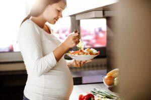 Những lời khuyên cần thiết đối với mẹ bầu đang thừa cân