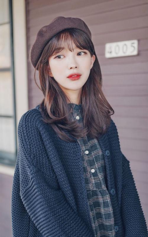 Những mẫu tóc dài duỗi duỗi thẳng đẹp cho khuôn mặt tròn đẹp nhất hè 2021