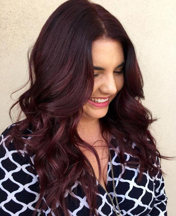 Nhuộm tóc dài màu nâu đỏ ánh tím đẹp nhất 2021 các nàng khó mà bỏ qua