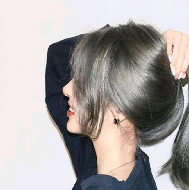 Nhuộm tóc màu khói 2021 - Màu tóc đẹp giới showbiz ưa chuộng rất nhiều hè
