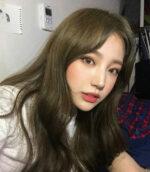 Top 14 kiểu nhuộm tóc màu nâu rêu đẹp Hàn Quốc xu hướng Hot Trend 2021