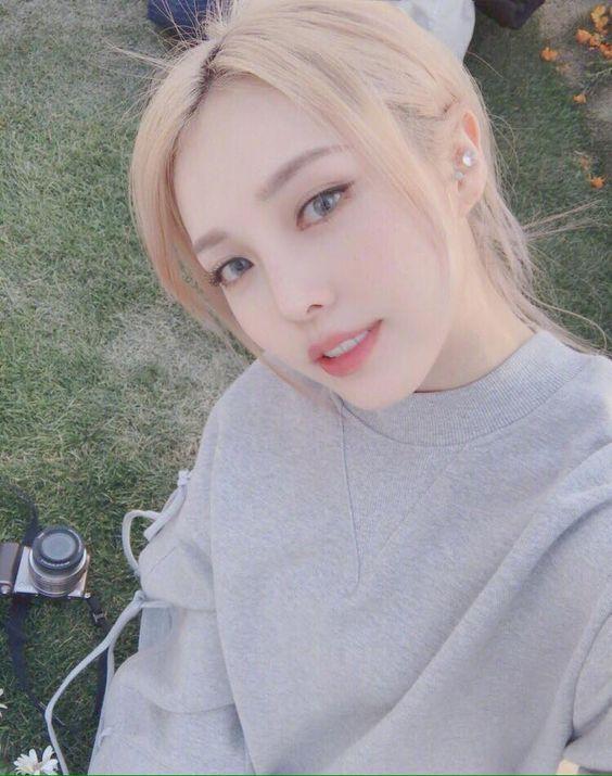 Những lưu ý khi nhuộm màu tóc bạch kim đẹp hot nhất hè 2021 bạn gái nên thử
