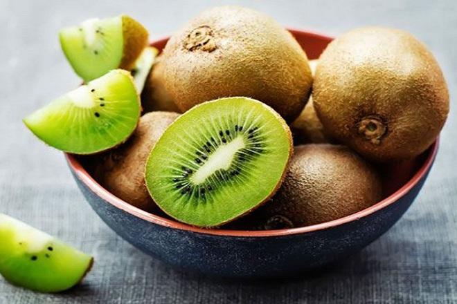 Ngoài axit folic, kiwi cũng chứa một lượng chất xơ vô cùng dồi dào