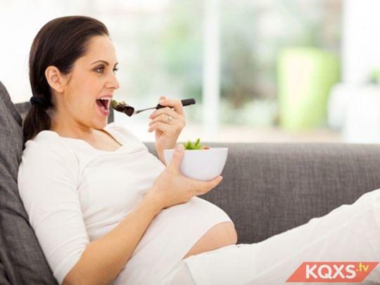 Thực đơn cho bà bầu ốm nghén nên ăn gì để bổ sung dưỡng chất?