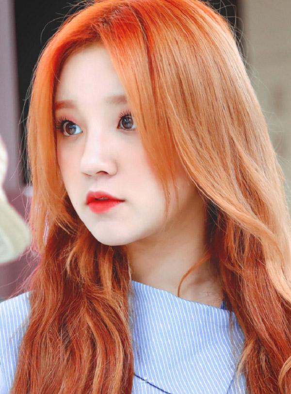 Nhuộm tóc màu nâu đỏ 2021 - Màu tóc đẹp được yêu thích nhất hiện nay