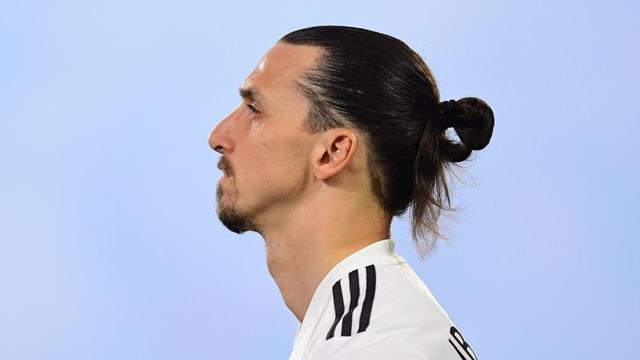 Những kiểu tóc đẹp của cầu thủ siêu sao bóng đá nổi tiếng thế giới
