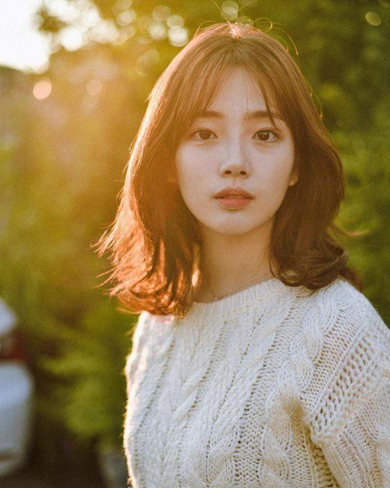 Top 10 kiểu tóc ngắn ngang vai uốn xoăn đuôi Hàn Quốc đẹp nhất hè 2021