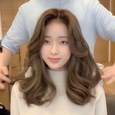 Top 10 kiểu tóc dài ngang lưng đẹp nhất phái nữ không thể bỏ lỡ