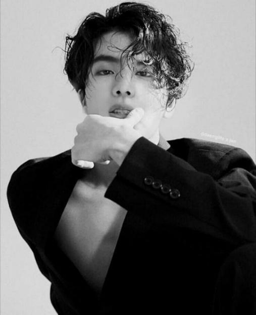 Top 14 kiểu tóc uốn nam Hàn Quốc đẹp nhất 2021 cho mọi khuôn mặt