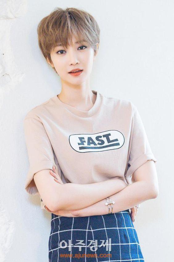 Top 15 kiểu tóc ngắn đẹp Hàn Quốc cho nàng diện phố hè 2021