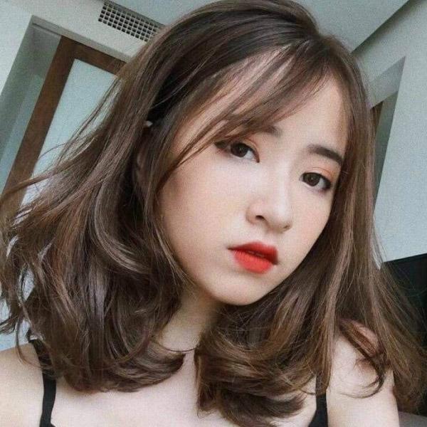Màu tóc nhuộm nâu Socola đẹp 2021 Hàn Quốc giúp nàng nâng tông da sáng mịn hơn 3