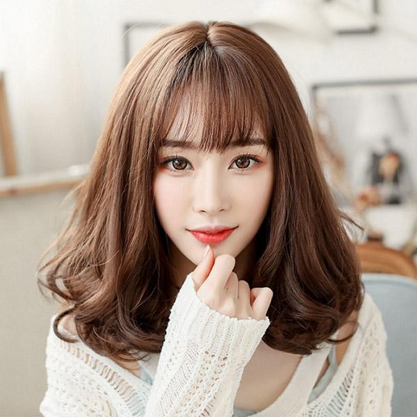 Màu tóc nhuộm nâu Socola đẹp 2021 Hàn Quốc giúp nàng nâng tông da sáng mịn hơn