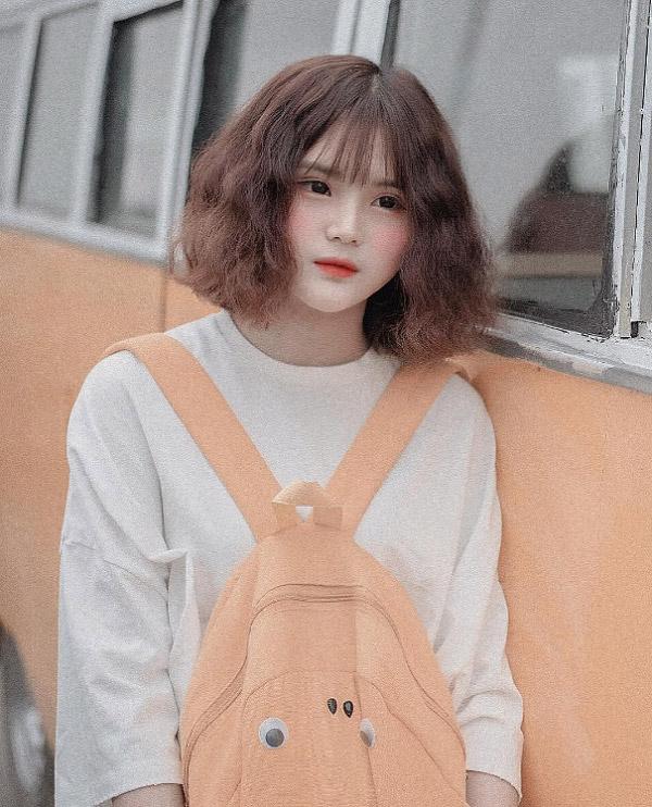 Top 24 kiểu tóc xoăn ngắn Hàn Quốc hot nhất cho cô nàng dạo phố 2021
