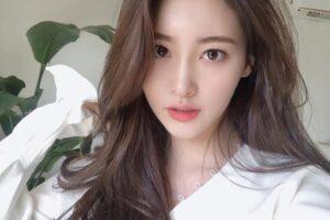 Top 34 kiểu tóc dài ngang lưng Hàn Quốc đẹp tư nhiên nhất hè 2021