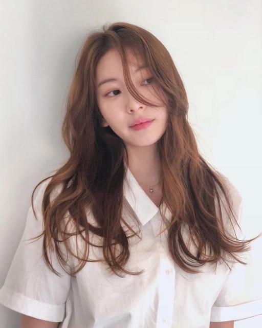 Top 6 kiểu tóc dài ngang lưng Hàn Quốc đẹp nhất hè 2021