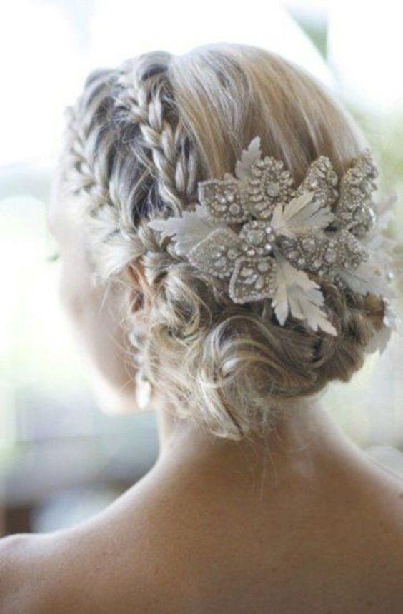 Top 8 kiểu tết tóc cô dâu đẹp nhất 2021 đơn giản dễ thực hiện