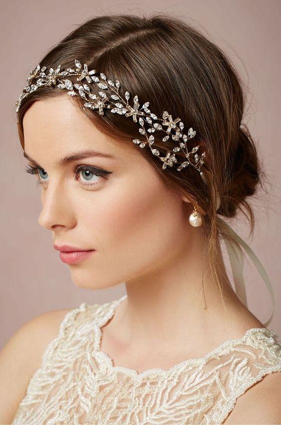 Top 8 kiểu tóc cho cô dâu mặt tròn đẹp được ưu chuộng nhất mùa cưới 2021