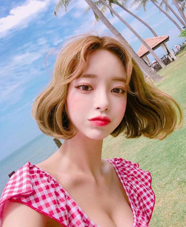 Top 50 kiểu tóc đẹp nhuộm màu vàng rêu khói đẹp đang là xu hướng hot nhất 2021