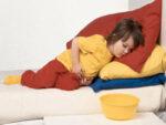 Trẻ sơ sinh bị đi ngoài nhiều lần trong ngày phải làm sao?