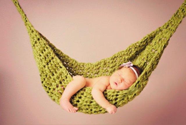 Trẻ sơ sinh nằm võng có tốt không?