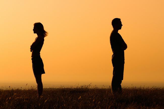 Những câu nói stt buồn về vợ chồng hôn nhân tan vỡ khiến con tim tan nát