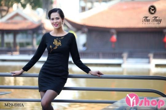 Váy đầm len dáng ôm đẹp cho nàng khoe 3 vòng gợi cảm hè 2021 - 2022