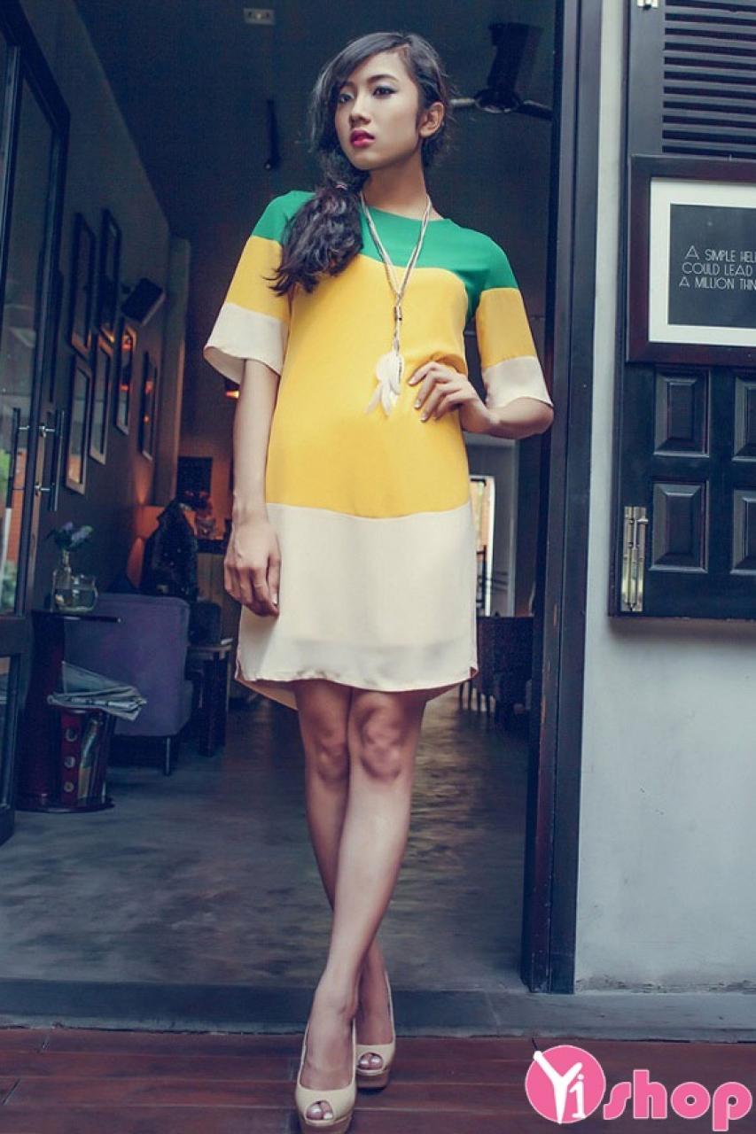Váy đầm liền đơn sắc đẹp kiểu dáng cách điệu trẻ trung hè 2021 - 2022