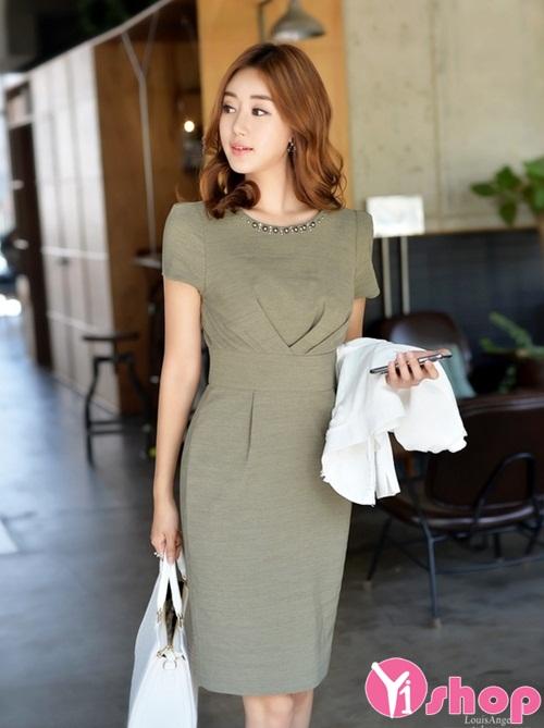 Váy đầm liền thân đơn sắc đẹp cho nàng ấn tượng như sao Hàn hè 2021 - 2022