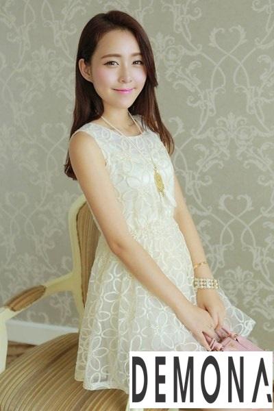 Tuyển chọn đầm ren xòe đẹp cho nàng thả dáng ngày đi tiệc xuân hè 2019 phần 8