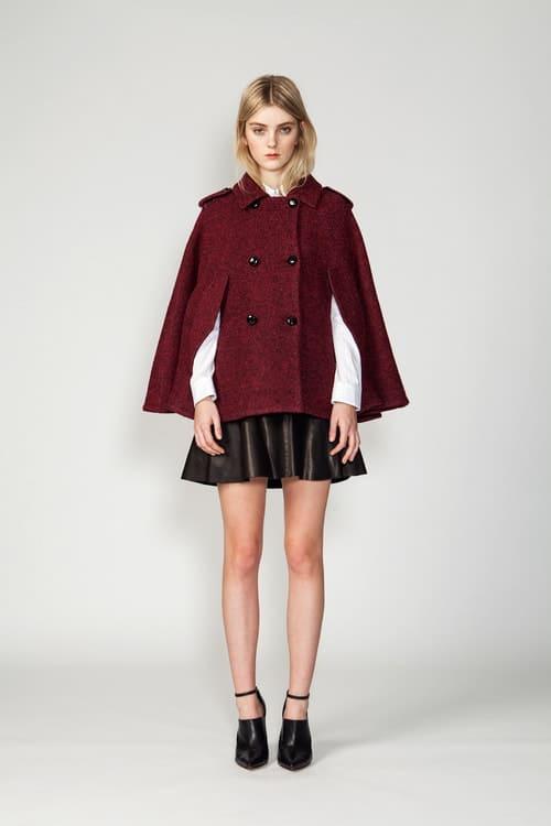 Phối áo khoác với váy cho người béo bụng