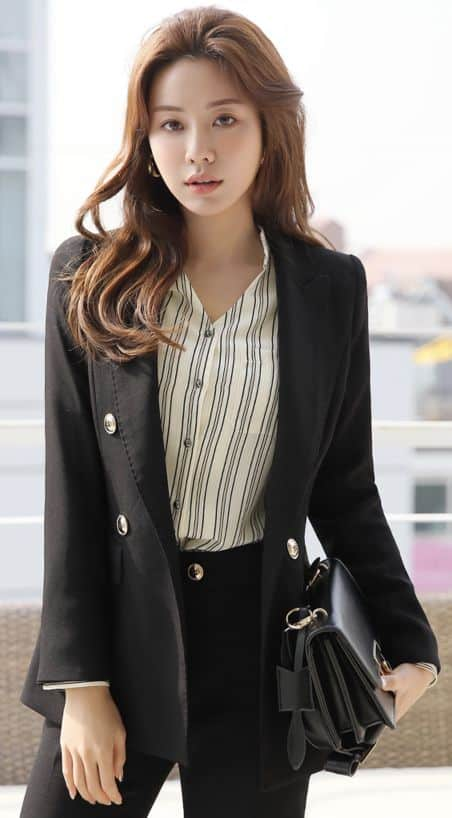 áo sơ mi sọc dọc mặc với gì đẹp