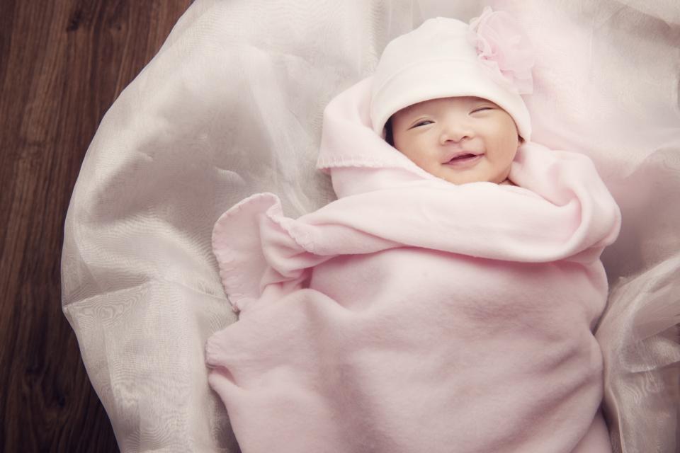 mừng con gái tròn 1 tháng tuổi