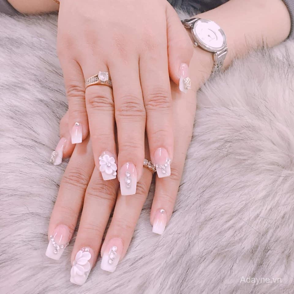mẫu nail đính đá đẹp