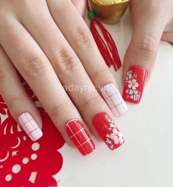 nail đỏ đẹp kẻ caro vẽ hoa