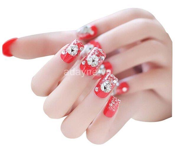 nail đính đá màu đỏ đẹp sang trọng