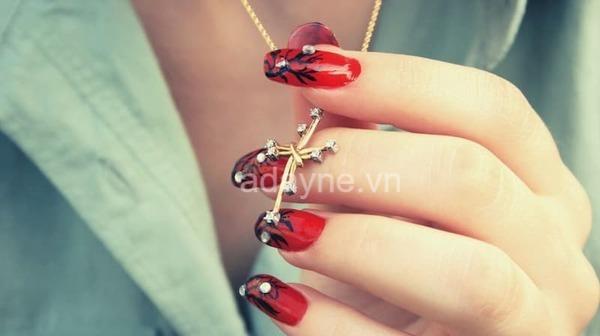 Mẫu nail đỏ đẹp cho halloween