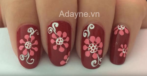 mẫu nail đỏ vẽ hoa