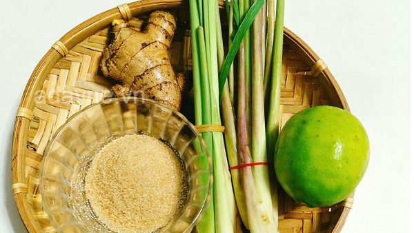 Bật mí cách nấu chanh sả gừng hạt chia thanh mát, giải độc