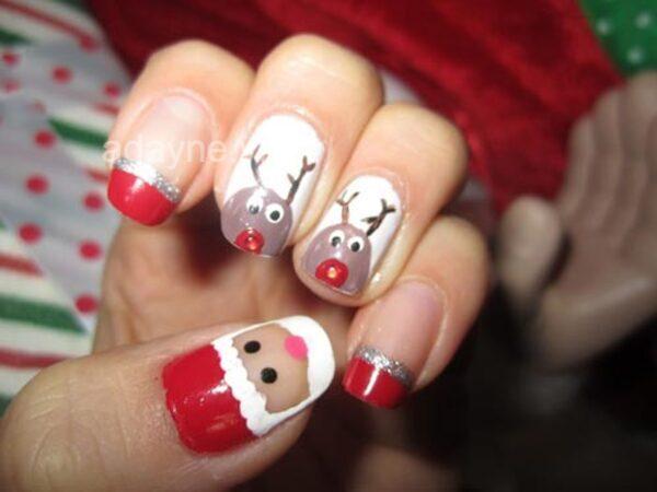 Mẫu nail đơn giản dễ thương họa tiết tuần lộc dành riêng cho đêm Giáng sinh ấm áp bên người thương