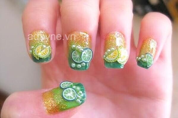 Mẫu nail dễ thương lấy cảm hứng từ ly chanh đá mát lạnh