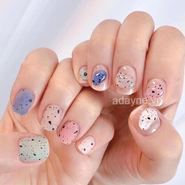 Đơn giản mẫu nail đẹp họa tiết trứng cút vô lạ mắt, xinh xuất sắc